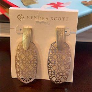 Kendra Scott Aragon Gold Earrings in Gold Filigree